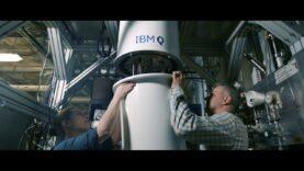 IBM prepara la construcción del primer ordenador cuántico universal para negocio (Ingles).