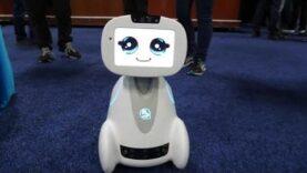 CES 2018: Robots y coches sin conductor.