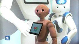 La robot Marty es gran anfitriona en el Congreso Mundial de Móviles en Barcelona.