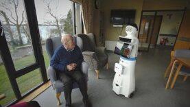 Los robots hacen frente a los pacientes de la tercera edad con demencia.