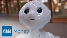 Pepper, el robot humanoide es la nueva guía del museo de Smithsonian.