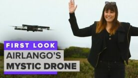 Mystic drone usa la inteligencia artificial para la navegación.
