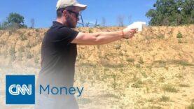 CNN habla con el creador de la pistola impresa en 3D.