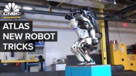 El robot Atlas de Boston Dynamics puede hacer Parkour.
