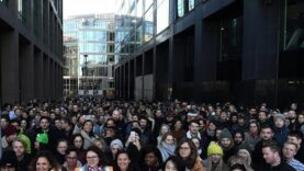 Trabajadores de Google ha realizaron paros por la gestión de los casos de acoso.
