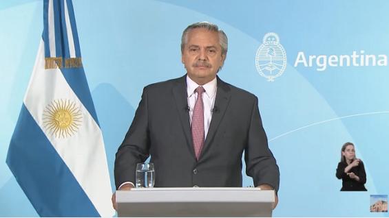 El presidente Argentino Alberto Fernández, anuncia la situación del covid19 en su pais
